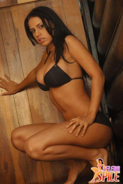 Selena-Spice-282-28-lg