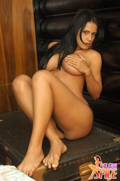 Selena-Spice-287-02-lg