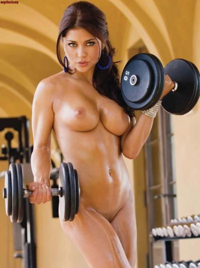 55597_tduid1059_Arianny_Celeste_Playboy_USA_Noviembre_2010__BlogVen.net__4_123_344lo